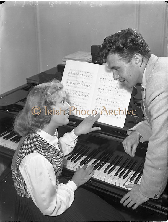 1/9/1952<br /> 9/1/1952<br /> 1 September 1952<br /> <br /> &quot;Musicmakers&quot; reading in Peter Hunt studio, St Stephens Green, Dublin, for U.S. feature of Fred O'Donavan &amp; Maebh Browne.