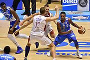 DESCRIZIONE : Supercoppa 2015 Semifinale Banco di Sardegna Sassari - Grissin Bon Reggio Emilia<br /> GIOCATORE : MarQuez Haynes<br /> CATEGORIA : palleggio sequenza penetrazione blocco<br /> SQUADRA : Banco di Sardegna Sassari<br /> EVENTO : Supercoppa 2015<br /> GARA : Banco di Sardegna Sassari - Grissin Bon Reggio Emilia<br /> DATA : 26/09/2015<br /> SPORT : Pallacanestro <br /> AUTORE : Agenzia Ciamillo-Castoria/GiulioCiamillo