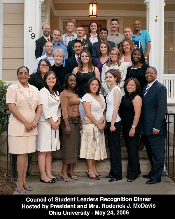 17696Student Leaders Group Photo at President's House: Photo by Michael Rubenstein