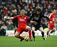Photo: Mark Stephenson/Sportsbeat Images.<br /> Liverpool v Manchester United. The FA Barclays Premiership. 16/12/2007.Liverpool's Dirk Kuyt battles with Owen Hargreaves