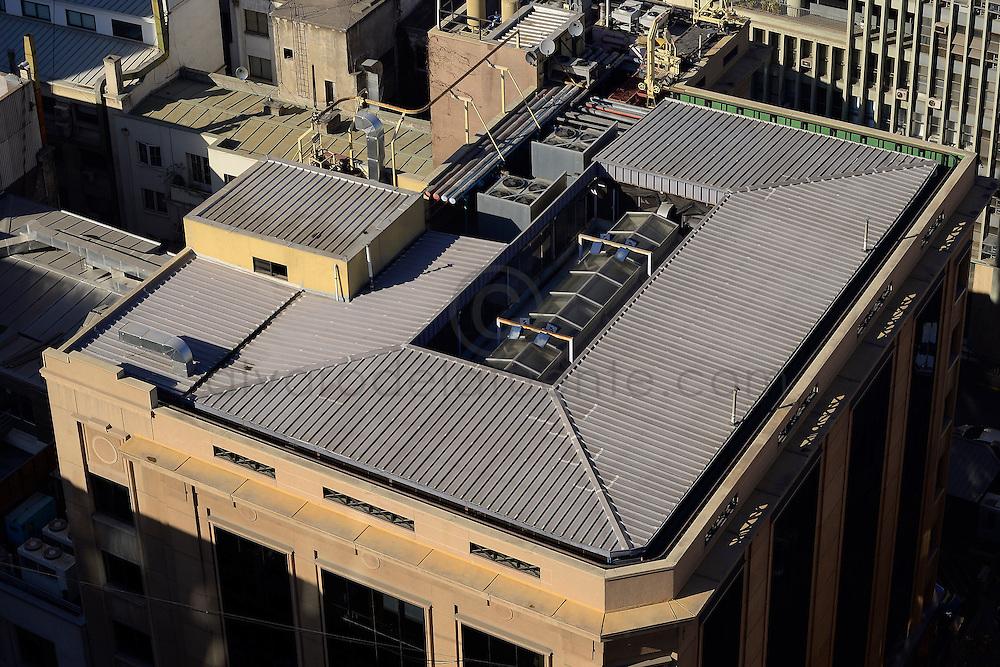 Techo y edificio corporativo Copec. Agustinas 1382. Copec, 80 años. Santiago de Chile. {date} (©Alvaro de la Fuente/Triple.cl)