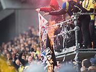 FODBOLD: Brøndby-fans afbrænder FCK-flag under kampen i ALKA Superligaen mellem Brøndby IF og FC København den 17. april 2017 på Brøndby Stadion. Foto: Claus Birch