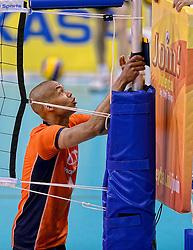 31-05-2015 NED: CEV EK Kwalificatie Nederland - Spanje, Doetinchem<br /> Nederland wint met 3-1 van Spanje en plaatst zich voor het EK in Bulgarije en Italie / Nimir Abdelaziz #1