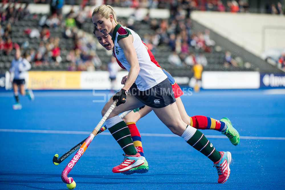 Surbiton's Jo Hunter. University of Birmingham v Surbiton - Semi-Final - Investec Women's Hockey League Finals, Lee Valley Hockey & Tennis Centre, London, UK on 22 April 2017. Photo: Simon Parker