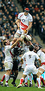 Twickenham, GREAT BRITAIN, Nick KENNEDY, wins and passes the line out ball, during the Investic Challenge, England vs New Zealand, Autumn International at Twickenham Stadium, Surrey on Sat 29.11.2008 [Photo, Peter Spurrier/Intersport-images]