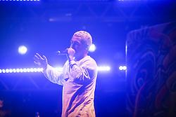 Poesia + Grafite ao vivo do SIK011 durante a 25ª edição do Planeta Atlântida. O maior festival de música do Sul do Brasil ocorre nos dias 31 Janeiro e 01 de fevereiro, na SABA, praia de Atlântida, no Litoral Norte do Rio Grande do Sul. FOTO: <br /> Gustavo Granata/ Agência Preview