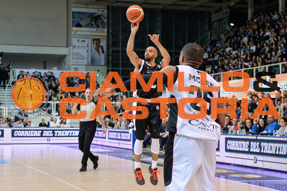 DESCRIZIONE : Trento Beko All Star Game 2016<br /> GIOCATORE : David Logan<br /> CATEGORIA : Tiro Tre Punti Three Point<br /> SQUADRA : Dolomiti Energia All Star Team<br /> EVENTO : Beko All Star Game 2016<br /> GARA : Dolomiti Energia All Star Team - Cavit All Star Team<br /> DATA : 10/01/2016<br /> SPORT : Pallacanestro <br /> AUTORE : Agenzia Ciamillo-Castoria/L.Canu