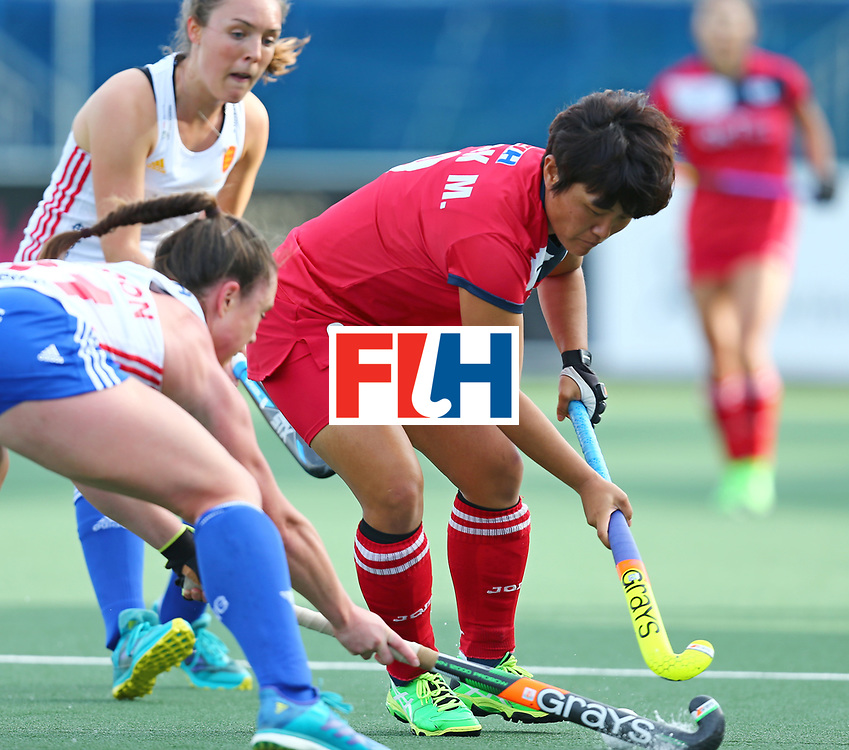 New Zealand, Auckland - 26/11/17  <br /> Sentinel Homes Women&rsquo;s Hockey World League Final<br /> Harbour Hockey Stadium<br /> Copyrigth: Worldsportpics, Rodrigo Jaramillo<br /> Match ID: 10321 - KOR vs ENG<br /> Photo: (9) PARK Mi Hyun against (31) BALSDON Grace