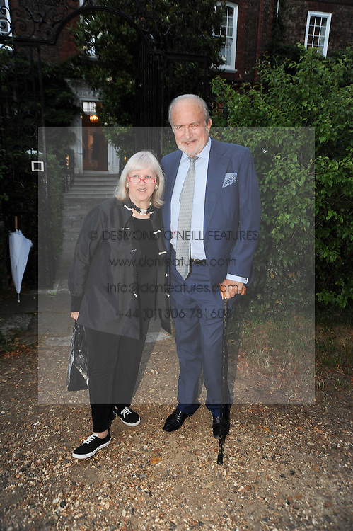 TESSA KENNEDY and CLAUS VON BULOW leaving a summer party hosted by Lady Annabel Goldsmith at her home Ormeley Lodge, Ham Gate, Richmond on 13th July 2010.