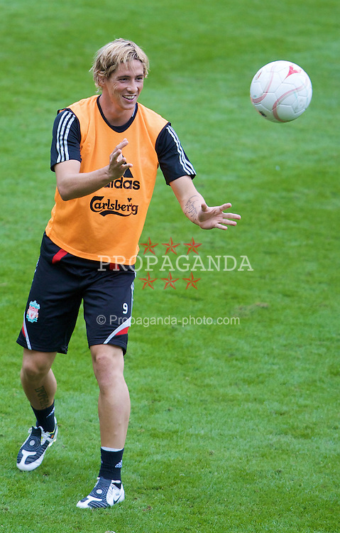 LIEGE, BELGIUM - Tuesday, August 12, 2008: Liverpool's Fernando Torres during a training session ahead of the UEFA Champions League 3rd Qualifying Round match against Royal Standard de Lie?ge at the Stade Maurice Dufrasne. (Photo by David Rawcliffe/Propaganda)