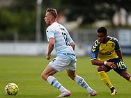 FODBOLD: Mark Leth Pedersen (FC Helsingør) og Kevin Mensah (Brøndby IF) under kampen i Reserveligaen mellem FC Helsingør og Brøndby IF den 7. august 2017 på Helsingør Stadion. Foto: Claus Birch