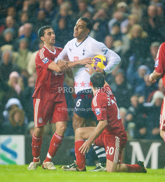 LONDON, ENGLAND - Saturday, November 1, 2008: Liverpool's Alvaro Arbeloa and Javier Mascherano attempt to get the ball from Tottenham Hotspur's Tom Huddlestone during the Premiership match at White Hart Lane. (Photo by David Rawcliffe/Propaganda)