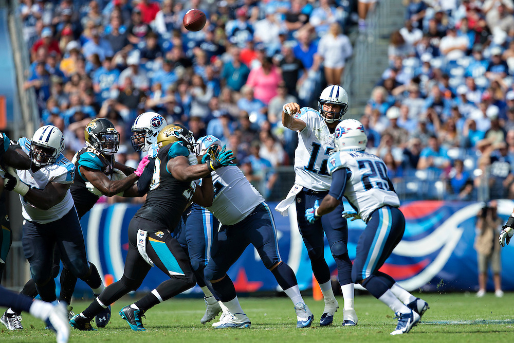 NASHVILLE, TN - OCTOBER 12:  Charlie Whitehurst #12 of the Tennessee Titans throws a pass against the Jacksonville Jaguars at LP Field on October 12, 2014 in Nashville, Tennessee.  The Titans defeated the Jaguars 16-14.  (Photo by Wesley Hitt/Getty Images) *** Local Caption *** Charlie Whitehurst