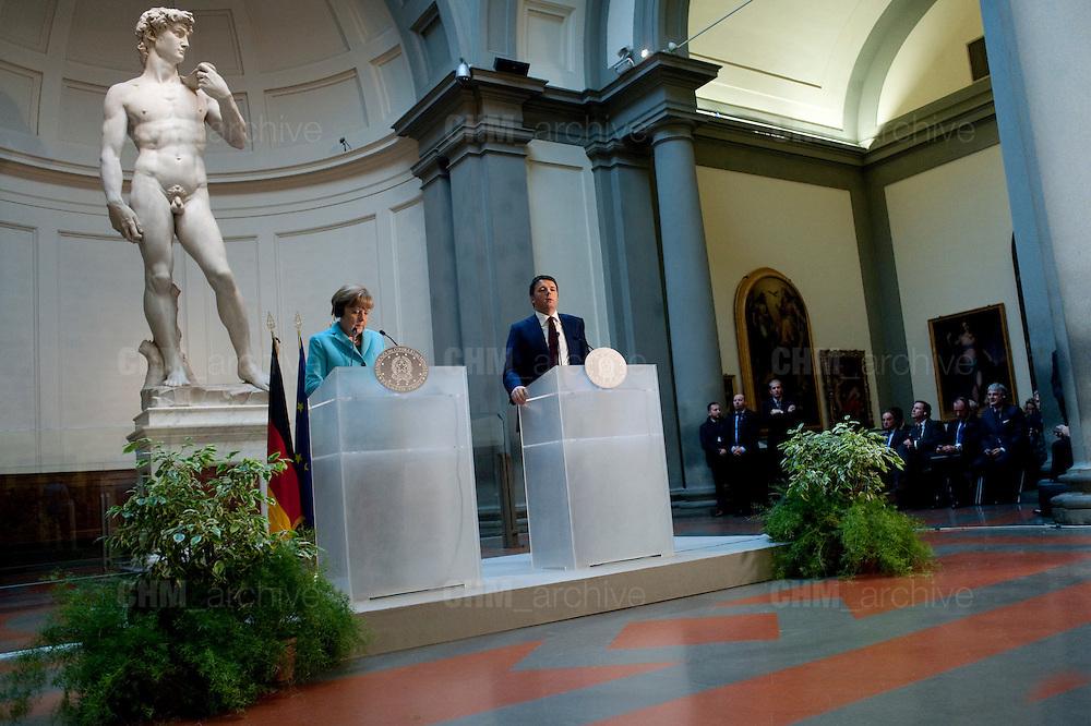 Angela Merkel e Matteo Renzi in conferenza stampa durante il bilaterale Italia-Germania.<br /> 23 gennaio 2015 . Daniele Stefanini / OneShot<br /> <br /> Angela Merkel and Matteo Renzi in a press conference during the bilateral Italy-Germany. Florence, January 23, 2015. Daniele Stefanini / OneShot