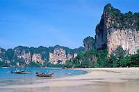 Thailande - <br /> Krabi province - Ao Nang beach<br /> Ao Phranaang beach
