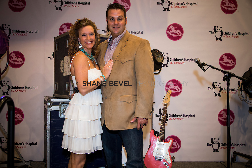 11/1/13 6:48:16 PM --- 2013 Painted Pony Ball for The Children's Hospital at Saint Francis with Chris Young and Dwight Yoakam. <br /> <br /> Photo by Shane Bevel