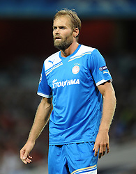 28.09.2011, Emirates Stadium, London, ENG, UEFA CL, Gruppe F, FC Arsenal (ENG) vs Olympiakos Piräus (GRE), im Bild Olympiacos' Olof Mellberg // during the UEFA Champions League game, group F, ENG, UEFA CL, FC Arsenal (ENG) vs Olympiakos Piräus (GRE) at Emirates Stadium in London, United Kingdom on 2011/09/28. EXPA Pictures © 2011, PhotoCredit: EXPA/ Propaganda Photo/ Chris Brunskill +++++ ATTENTION - OUT OF ENGLAND/GBR+++++