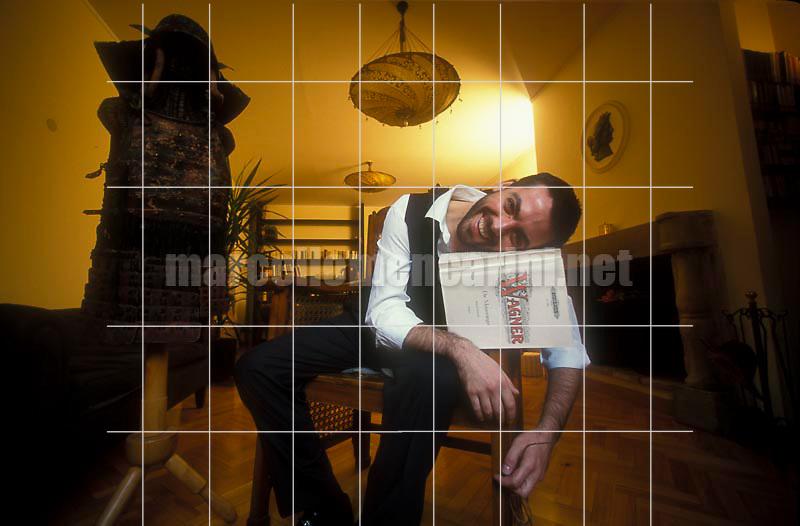 Rome, 1999. Italian baritone opera singer Alfonso Antoniozzi in his house / Roma, 1999. Il baritono Alfonso Antoniozzi nella sua casa - © Marcello Mencarini