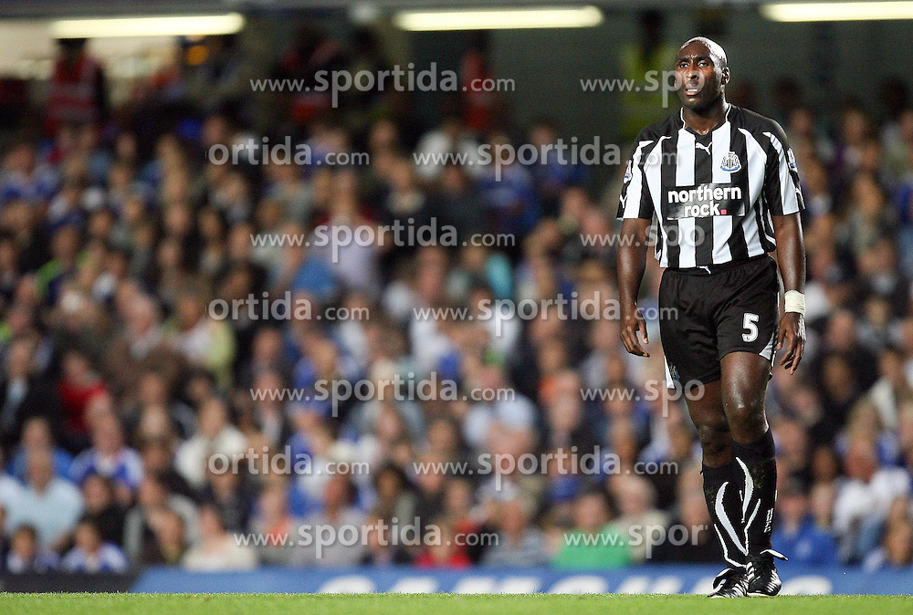 22.09.2010, Stamford Bridge, London, ENG, Carling Cup, Chelsea FC vs Newwcastle United im Bild Newcastle United's Sol Campbell, EXPA Pictures © 2010, PhotoCredit: EXPA/ IPS/ M. Atkins *** ATTENTION *** UK AND FRANCE OUT! / SPORTIDA PHOTO AGENCY