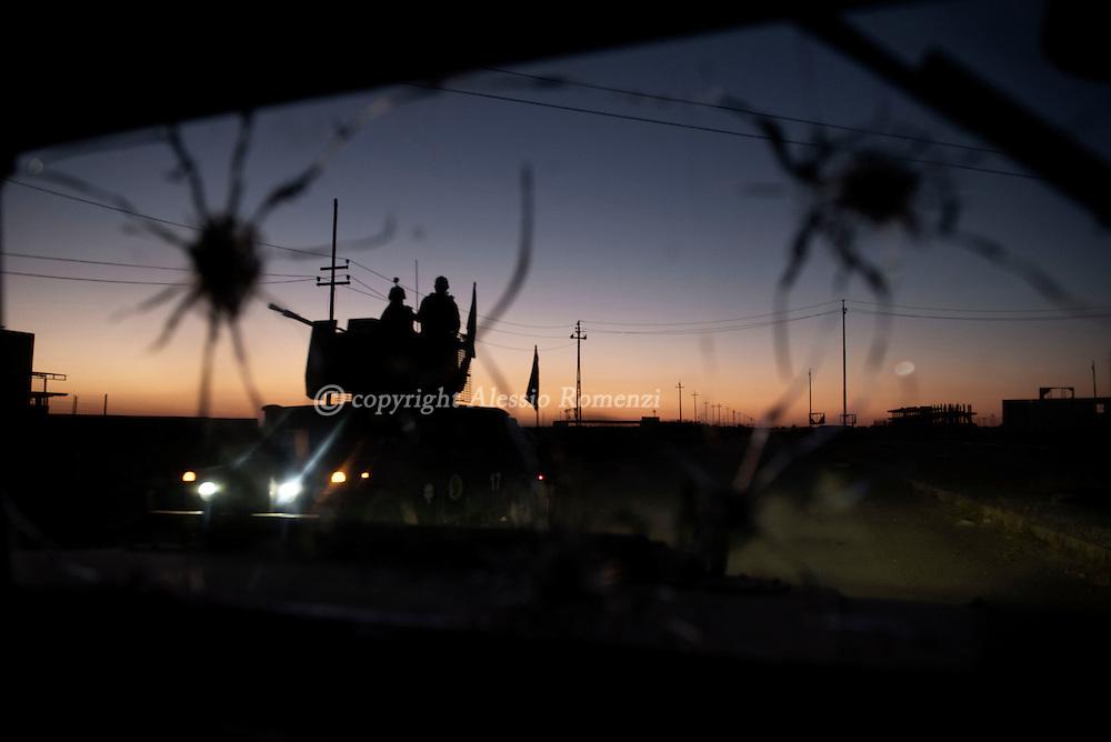 Iraq, Bazwaia: Iraqi special forces convoy. Alessio Romenzi