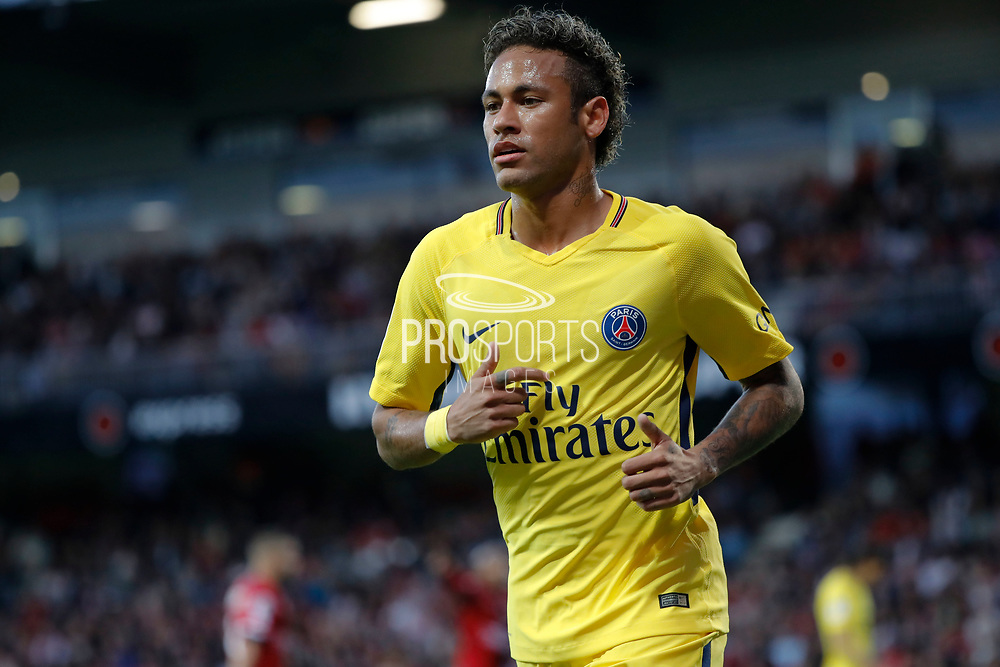 Neymar da Silva Santos Junior - Neymar Jr (PSG) runned to kick it first corner during the French championship L1 football match between EA Guingamp v Paris Saint-Germain, on August 13, 2017 at the Roudourou stadium in Guingamp, France - Photo Stephane Allaman / ProSportsImages / DPPI