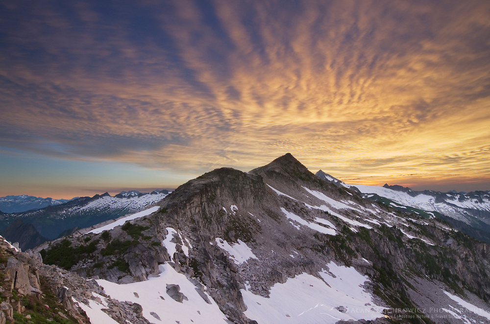 Sunrise over Hidden Lake Peak, North Cascades Washington