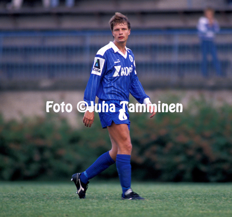 05.08.1990, Kupittaa Stadium, Turku, Finland. Jalkapalloliiga / Finnish League, Turun Palloseura v FC Kuusysi..Ilkka Remes - Kuusysi.©Juha Tamminen
