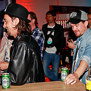 """NLD/Rotterdam/20110422 - Boekpresentatie en Gouden plaat voor Kane """"Singles Only"""" , Dennis van Leeuwen en Johnny de Mol"""