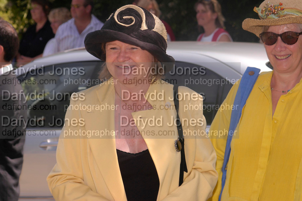 Penny Mortimer. Marriage of Emilia Fox to Jared Harris. St. Michael's and All Angels. Steeple. Nr. Wareham. Dorset. 16 July 2005. ONE TIME USE ONLY - DO NOT ARCHIVE  © Copyright Photograph by Dafydd Jones 66 Stockwell Park Rd. London SW9 0DA Tel 020 7733 0108 www.dafjones.com