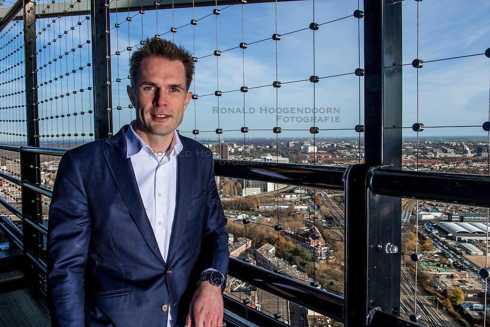 24-11-2016 NED: Persconferentie Volley2018, Den Haag<br /> In &quot;The Penthouse restaurant / skybar&quot; werd op de 40 ste  verdiepingvan de Haagse Toren (Het Strijkijzer) de komende toernooien &quot;volley2018&quot; van de Nevobo gepresenteerd / Algemeen directeur Nevobo Guido Davio