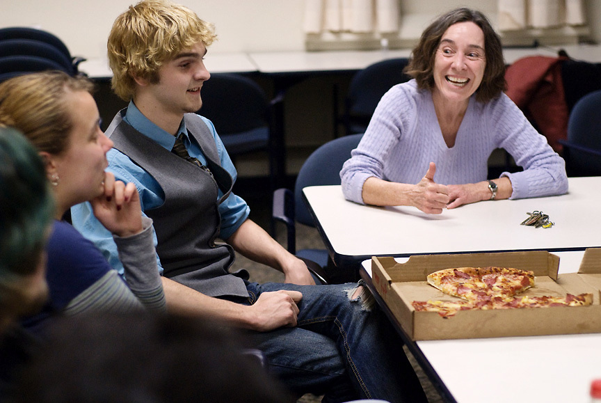 Ohio Univesity students Zach Marion, Scott Wilson, Amrit Saini and Jen Atkins have a lively disscusion with Josphine Bloomfield, professor in the department of English, about the movie Dante's Inferno after watching it in Ellis Hall at 5p.m. Monday February 22, 2001.