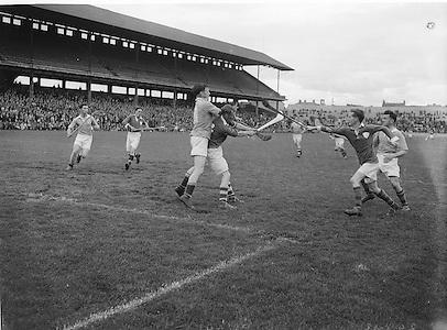 All Ireland Junior Hurling Semi Final. Dublin v Limerick..Winners - Dublin..24.08.1952  24th August 1952