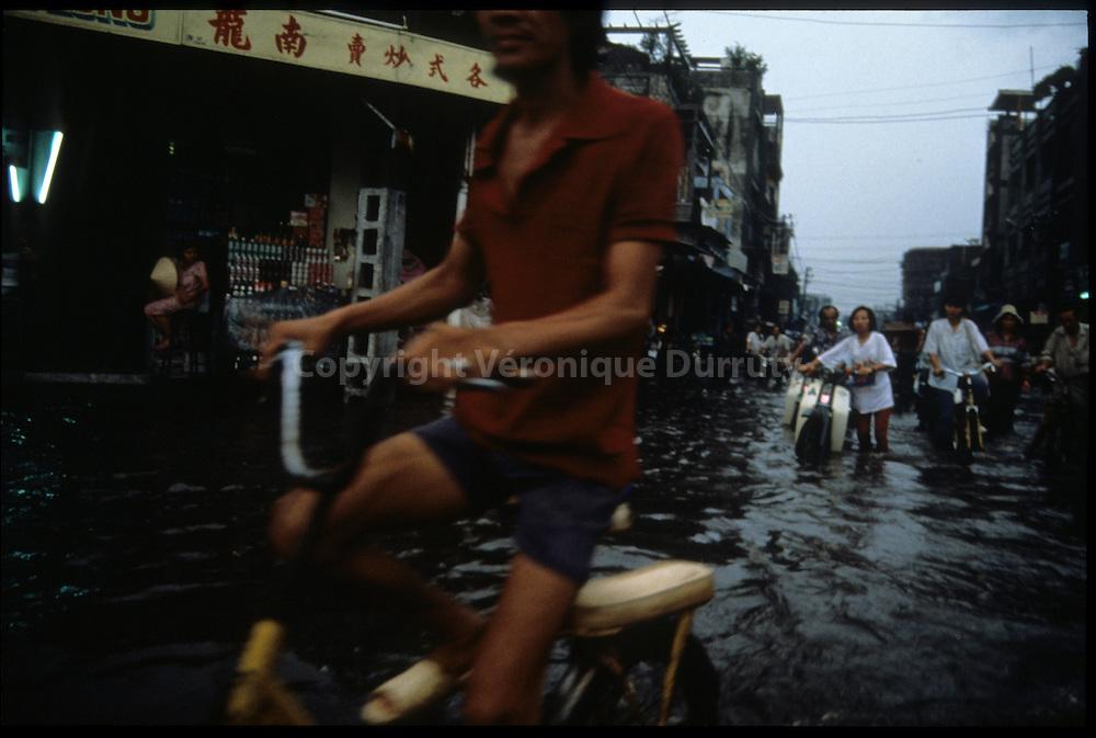 Saigon ( Ho Chi Minh City ) Vietnam // Saigon ( Ho Chi Minh Ville ) Vietnam