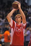 DESCRIZIONE : Borgosesia Torneo di Varallo Lega A 2011-12 EA7 Emporio Armani Milano Novipiu Casale Monferrato<br /> GIOCATORE : Nicolo Melli<br /> CATEGORIA : Tiro Before<br /> SQUADRA : EA7 Emporio Armani Milano<br /> EVENTO : Campionato Lega A 2011-2012<br /> GARA : EA7 Emporio Armani Milano Novipiu Casale Monferrato<br /> DATA : 10/09/2011<br /> SPORT : Pallacanestro<br /> AUTORE : Agenzia Ciamillo-Castoria/A.Dealberto<br /> Galleria : Lega Basket A 2011-2012<br /> Fotonotizia : Borgosesia Torneo di Varallo Lega A 2011-12 EA7 Emporio Armani Milano Novipiu Casale Monferrato<br /> Predefinita :