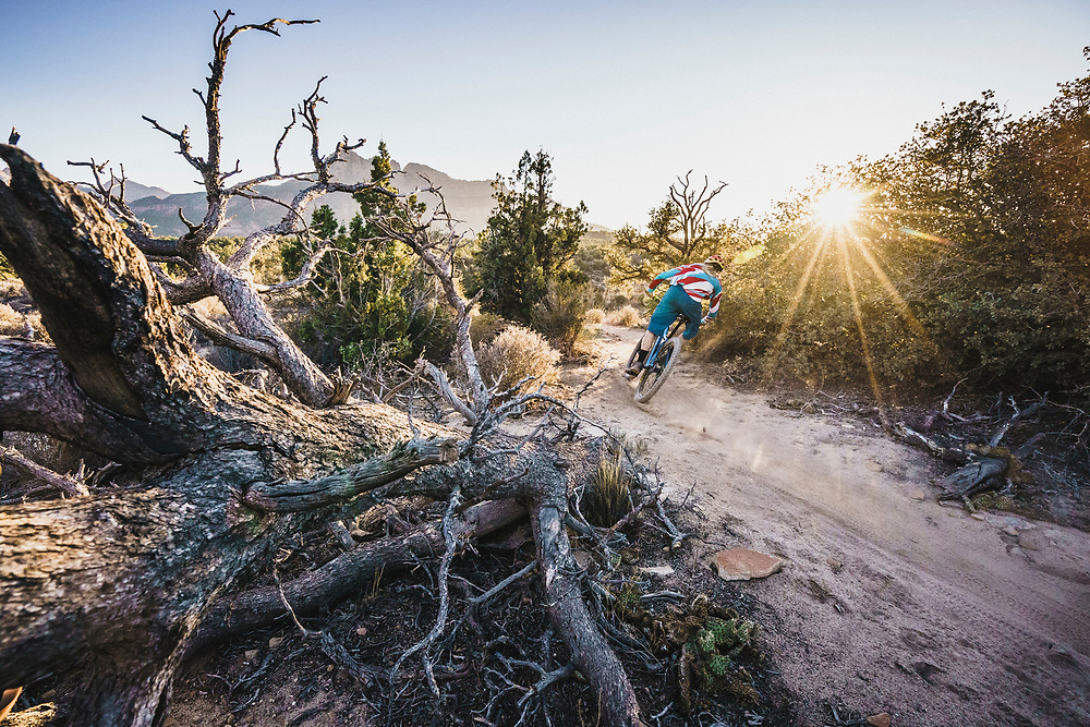 Jeremy Hottinger rolling the Wire Mesa Trail, Virgin, Utah.