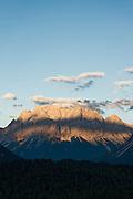 Blick von der Fernpassstraße auf Zugspitze, Tirol, Österreich | view from Fernpass-Road to Zugspitze, Tirol, Austria
