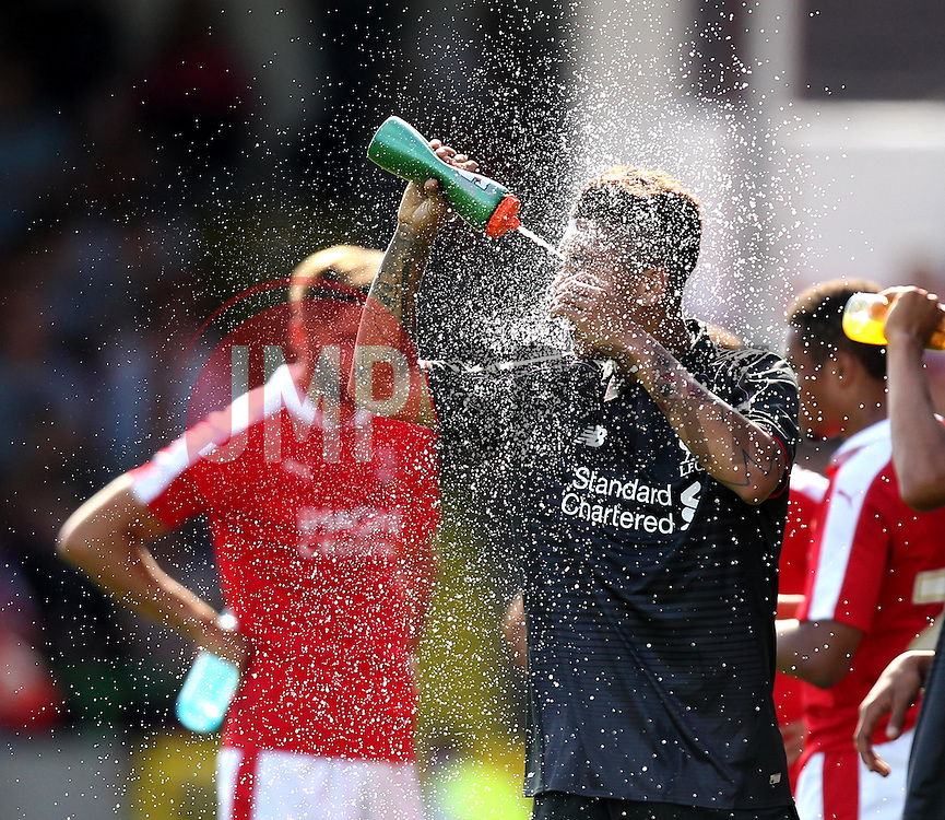 Liverpool's Roberto Firmino cools off - Mandatory by-line: Robbie Stephenson/JMP - 07966386802 - 02/08/2015 - SPORT - FOOTBALL - Swindon,England - County Ground - Swindon Town v Liverpool - Pre-Season Friendly