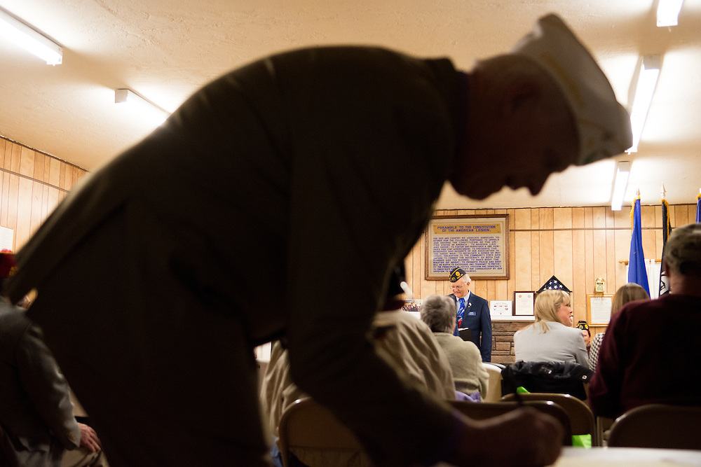 Commander Dave Evans of the American Legion Department of Nevada signs into a System Worth Saving town hall at Post 1 in Reno, Nev. on Tuesday, March 8, 2016. Photo by David Calvert /The American Legion.