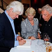NLD/Amsterdam/20100910 - Paul van Vliet viert 75ste verjaardag met vrienden, Grootmeesteres Martine van Loon-Labouchere, Cees Dam en Paul van Vliet