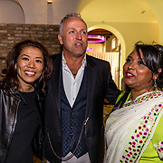 NLD/Amsterdam//20170410 - Free a Girl Celebrity Night, Wimmy Hu met Gordon en .....