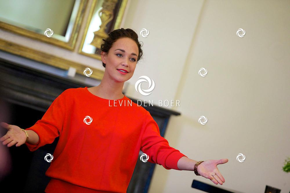 AMERONGEN - Op het landgoed van Kasteel Amerongen is de cast van de 'The Sound of Music' bekend gemaakt. Met hier op de foto  musical ster en actrice Anouk Maas. FOTO LEVIN DEN BOER - PERSFOTO.NU