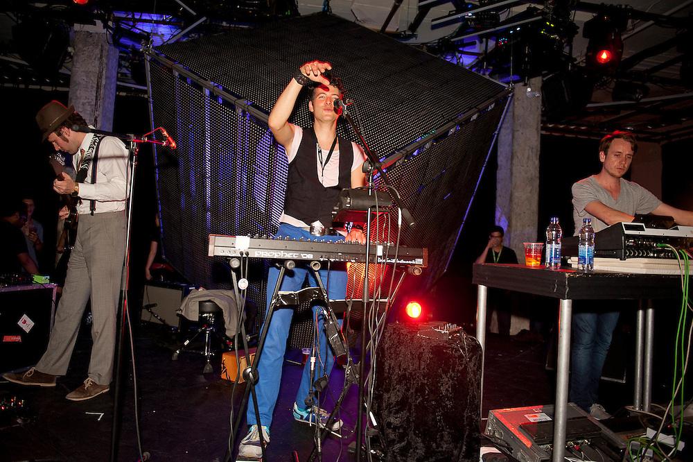 MUTEK 2011/NOCTURNE 5/ SAT /WAREIKA