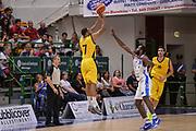 """DESCRIZIONE : Torneo Città di Sassari """"Mimì Anselmi"""" Dinamo Banco di Sardegna Sassari - AEK Atene<br /> GIOCATORE : Malik Hairston<br /> CATEGORIA : Tiro Tre Punti Three Point Controcampo Ritardo<br /> SQUADRA : Dinamo Banco di Sardegna Sassari<br /> EVENTO :  Torneo Città di Sassari """"Mimì Anselmi"""" <br /> GARA : Dinamo Banco di Sardegna Sassari - AEK Atene Torneo Città di Sassari """"Mimì Anselmi""""<br /> DATA : 12/09/2015<br /> SPORT : Pallacanestro <br /> AUTORE : Agenzia Ciamillo-Castoria/L.Canu"""