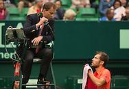 Jerzy Janowicz (POL) spricht mit Stuhlschiedsrichter Roland Herfel,<br /> <br /> Tennis - Gerry Weber Open - ATP 500 -  Gerry Weber Stadion - Halle / Westf. - Nordrhein Westfalen - Germany  - 19 June 2015. <br /> &copy; Juergen Hasenkopf