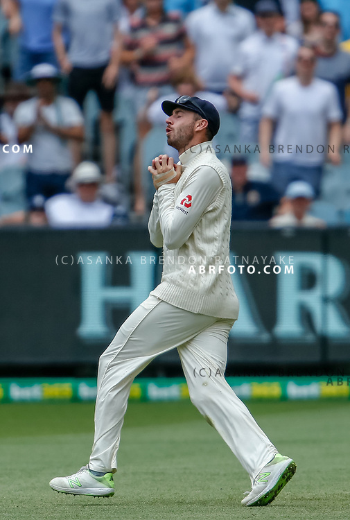 James Vince catches David Warner during day 5 of the 2017 boxing day test.
