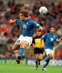 FRANCESCO TOTTI (ITALY).ITALY V BELGIUM 14/06/00 (2-0) BRUSSELS.PHOTO ROGER PARKER.