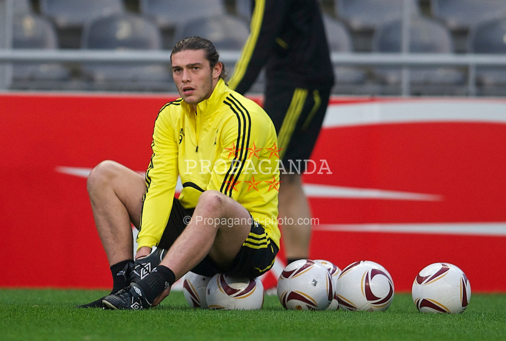 BRAGA, PORTUGAL, Wednesday, March 9, 2011: Liverpool's Andy Carroll during training at the Estadio Municipal de Braga ahead of the UEFA Europa League Round of 16 1st leg match against Sporting Clube de Braga. (Photo by David Rawcliffe/Propaganda)