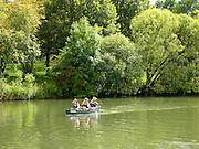 Donau, Paddelboote, Naturpark obere Donau, Baden-Württemberg, Deutschland.|.boats on Danube, nature park upper Danube, Baden-Wuerttemberg, Germany