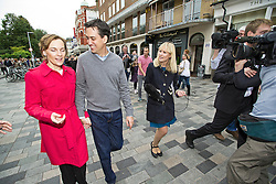 © London News Pictures. 21/09/2013.  Brighton, UK. Labour Party leader Ed Miliband in Brighton Town centre with his wife Justine Thornton after speaking and taking questions from a soapbox, a day before the Labour Party Conference starts in Brighton. Photo credit: Ben Cawthra/LNP