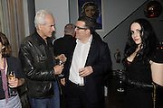 NICK DAVIES;TOM WATSON; MOLLY CRABAPPLE, The 2011 Groucho Club Maverick Award. The Groucho Club. Soho, London. 14 November 2011. <br /> <br />  , -DO NOT ARCHIVE-© Copyright Photograph by Dafydd Jones. 248 Clapham Rd. London SW9 0PZ. Tel 0207 820 0771. www.dafjones.com.